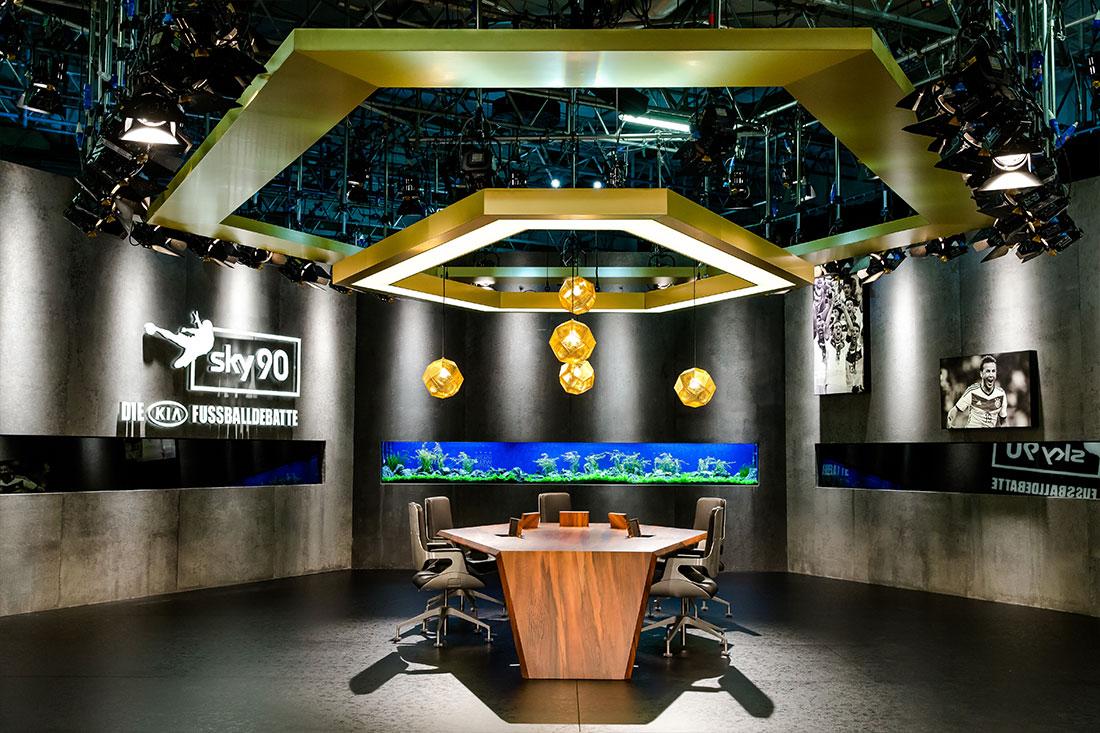 Fußballstudio mit Aquarium